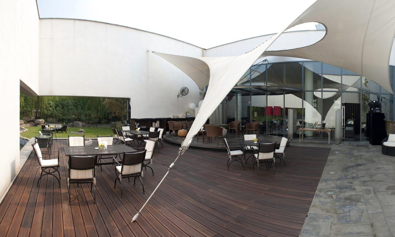 Terrassendielen – Terrasse mit Dach