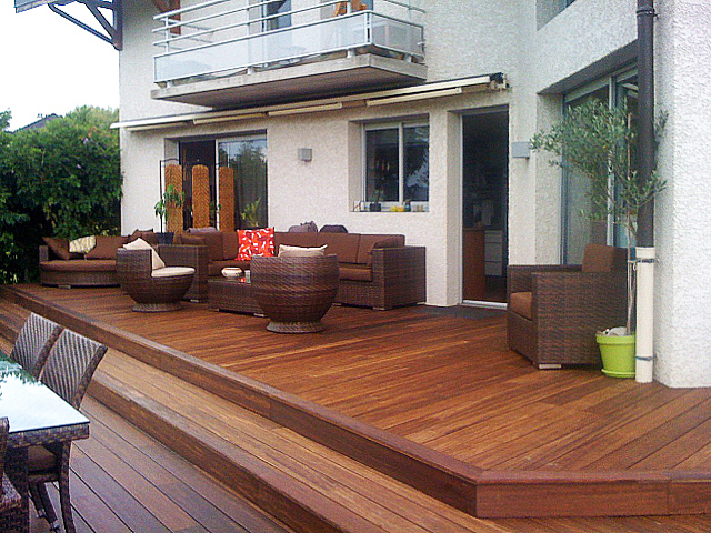 Sommerzeit - Terrassenzeit: Terrasse mit Stufen