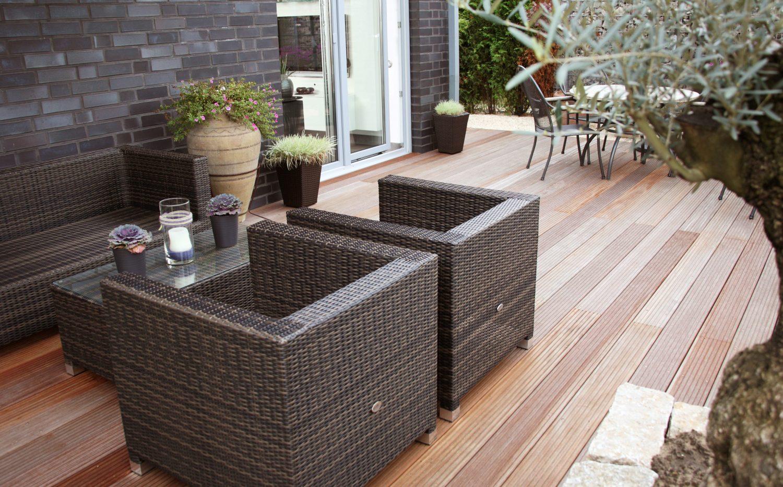 Terrassendielen – Terrasse mit Olivenbaum