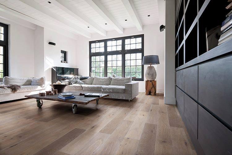 Wohnzimmer mit Landhausdielen zur Herbstmesse 2016