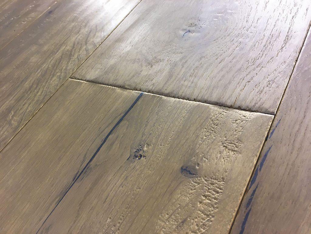 Handbearbeitete Oberflächen: Eiche Rossel